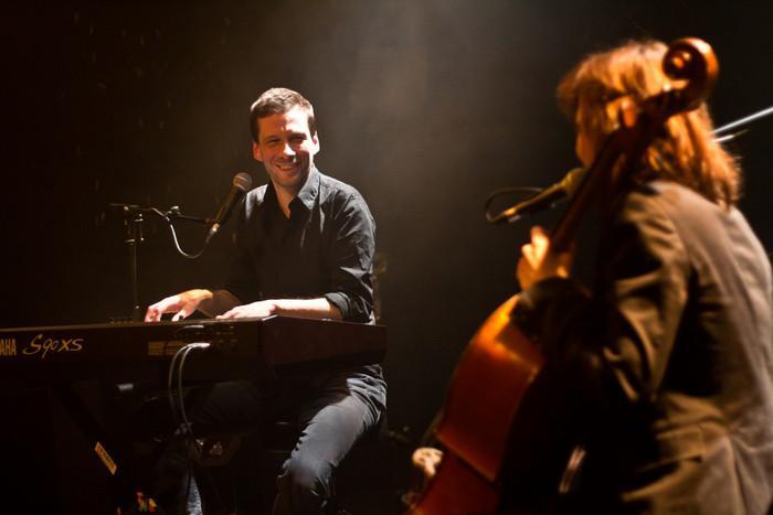 Alex Beaupain (jury One+One) en concert à la Poudrière